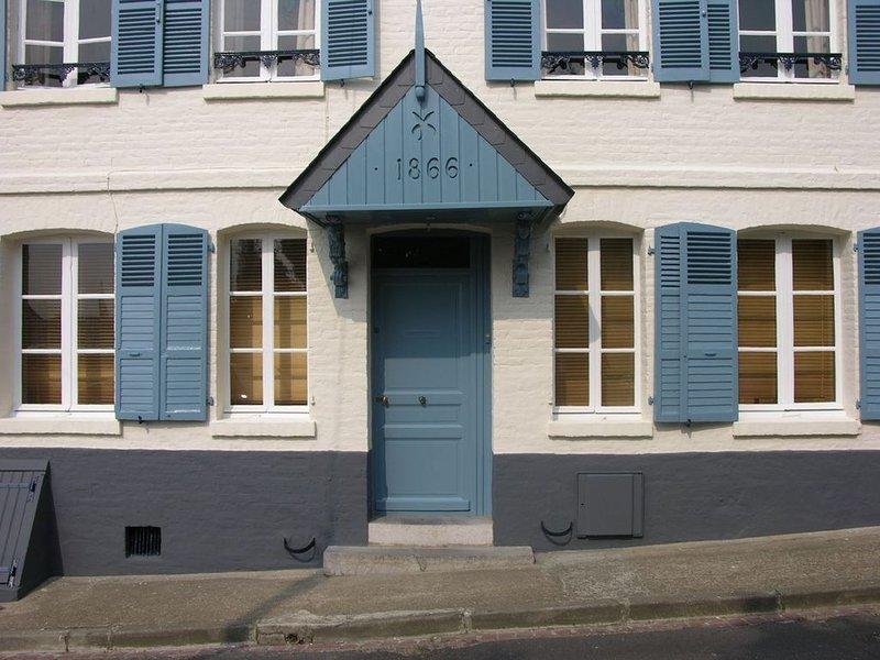 Belle & grande maison de caractère de tout confort, avec jardin en Baie de Somme, holiday rental in Estreboeuf