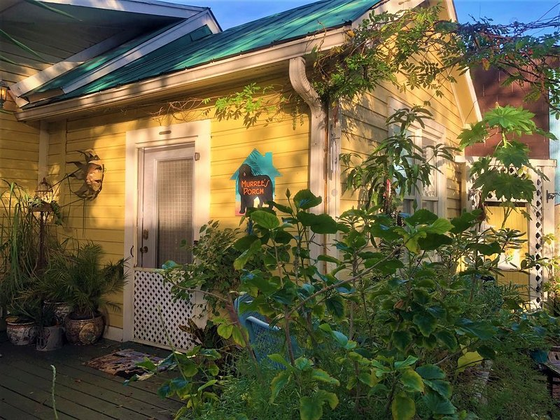 Charming apartment in historic Fernandina Beach town center, holiday rental in Yulee