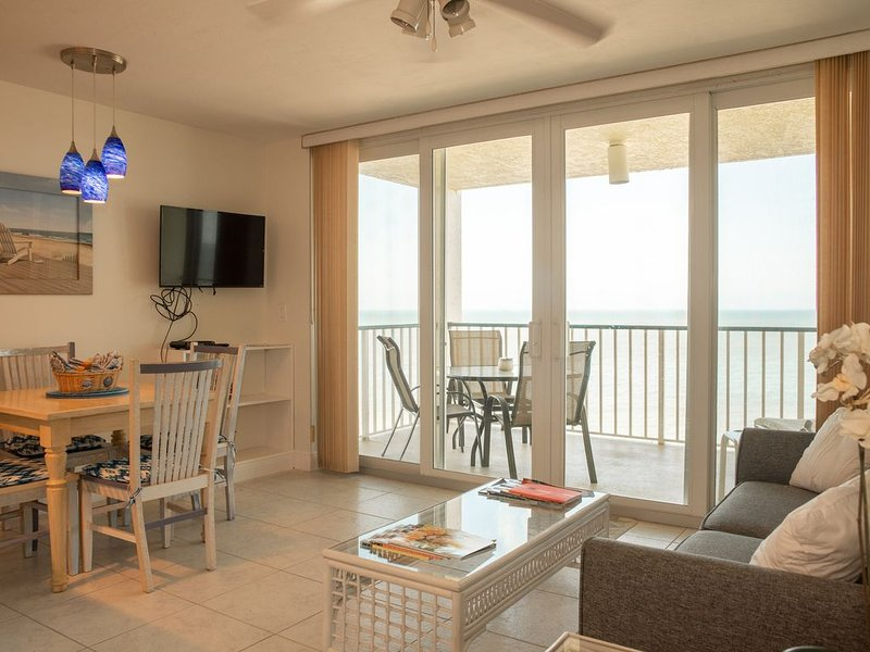 Beach Front, Remodeled, Apollo 804!!!!!, vacation rental in Marco Island
