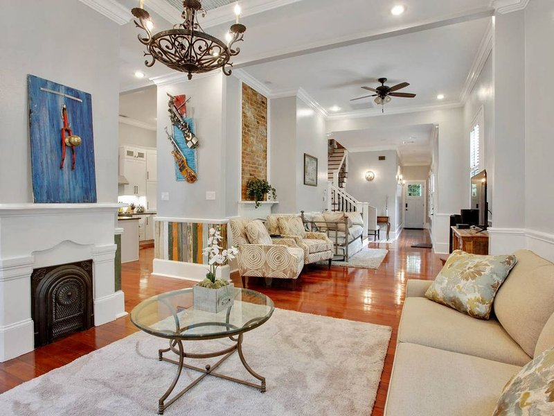Luxury, Artsy Oasis, near French Quarter, vacation rental in Chalmette