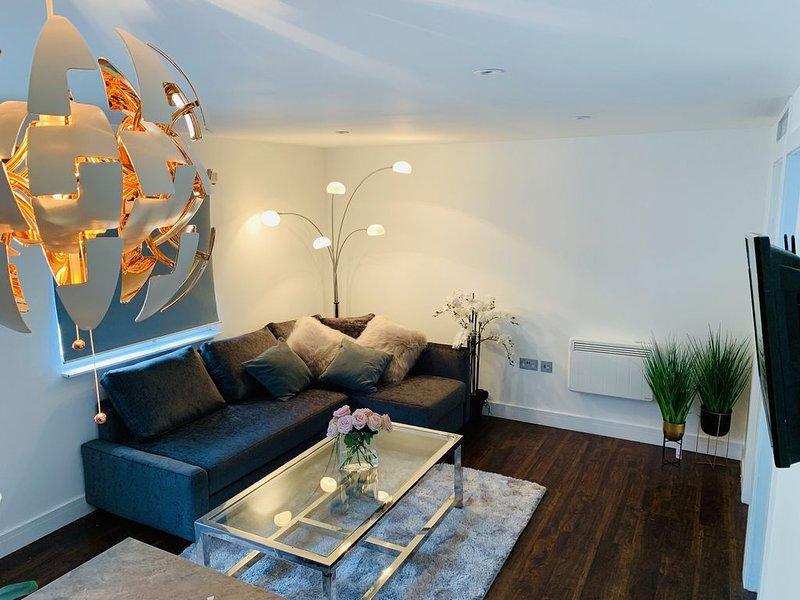 Boutique  luxury apartment, Windsor, London , Heathrow, holiday rental in Wraysbury
