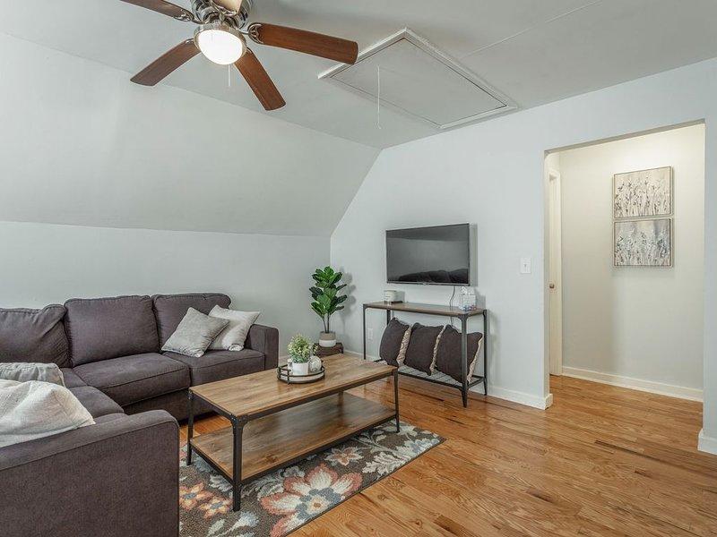 Mountain View Loft, 2 bedrooms, 4min to dwntwn, holiday rental in Signal Mountain