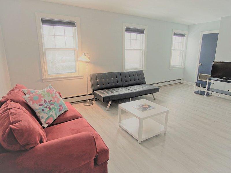 *Stylish & Spacious Getaway by Evanston/Skokie/NU, vacation rental in Elmwood Park