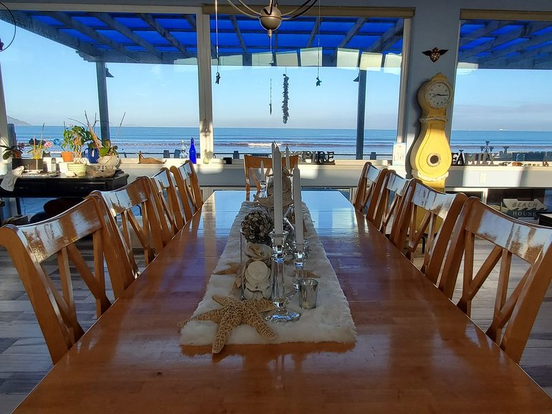 Come live the flip-flop lifestyle in our luxury beach home!, holiday rental in Punta Banda