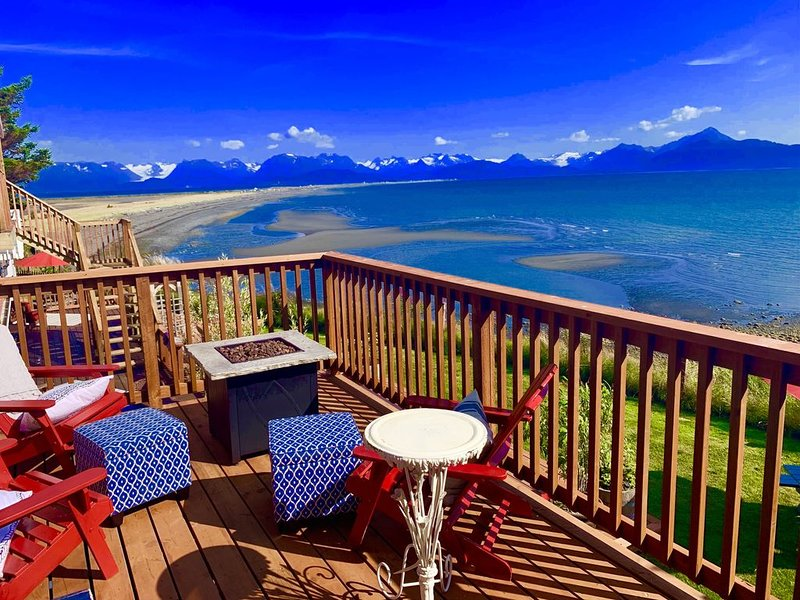 Beach Front in Town with hot tub, alquiler vacacional en Seldovia