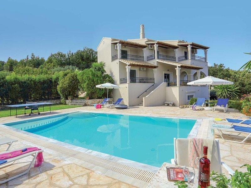 4 Bed villa, walking distance from village, holiday rental in Vigla
