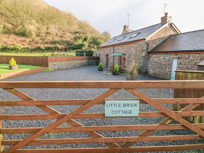 Little Brook Cottage, LAUGHARNE, holiday rental in St Clears