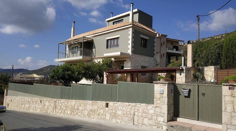 The Green villa in Katalagari, vacation rental in Vasilies