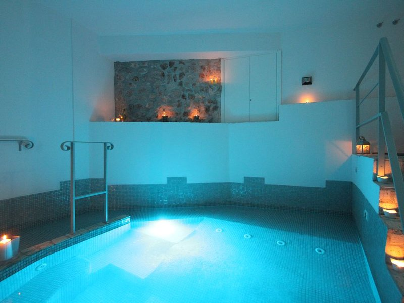 Le Camere Pinte: Appartamento Ninfa con  Spa Privata e  uso piscina, vacation rental in Cori