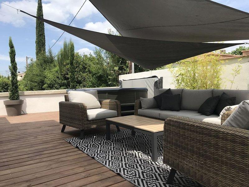 Villa Les Pierres d'Antan avec piscine et jacuzzi, holiday rental in Lorgues