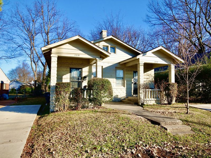 Charming Midtown duplex, vacation rental in Southaven