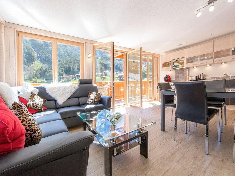 Chalet Belmont - perfect location, recently new, Ferienwohnung in Berner Oberland