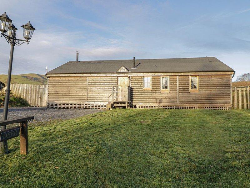 Caban Ceirw (Deer Cabin), LLANBRYNMAIR, vacation rental in Llanbrynmair