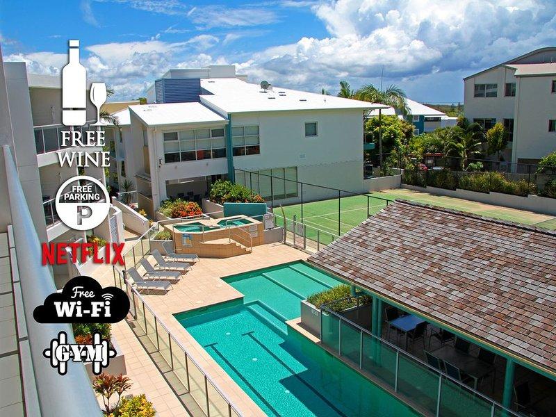 1BR Coolum Beach ★Rooftop Terrace★Spa★Tennis★Pool, holiday rental in Yaroomba