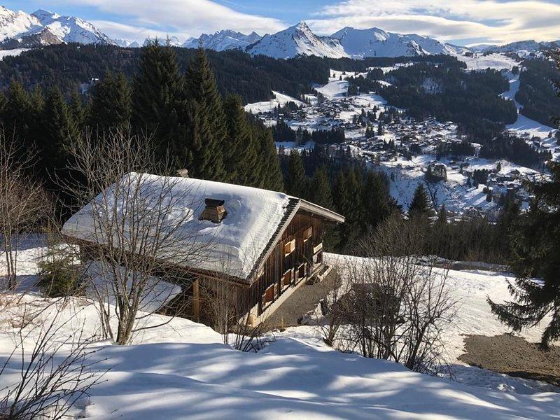 Grand chalet luxe skis aux pieds avec SPA + vue exceptionnelle sur le Mont Blanc, vacation rental in Les Gets