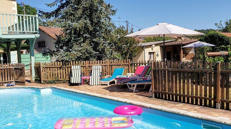 Belle maison entre Bergerac et Périgueux pour 8 personnes,piscine,sauna,jardin, vacation rental in Eglise-Neuve-de-Vergt