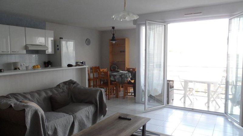 Location Meublée tout confort, vacation rental in La Rochelle