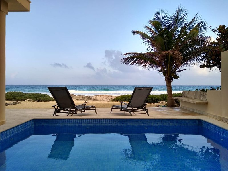 NEW TO THE RENTAL MARKET / Beachfront Home, great location!, holiday rental in Playa Mujeres