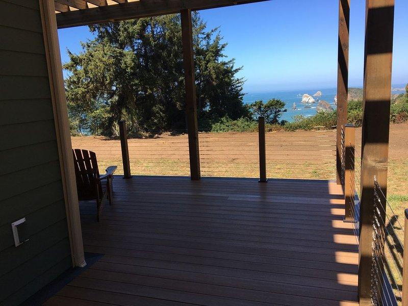 Secret Beach Retreat 1  Ocean Front nearTrinidad CA, holiday rental in Trinidad