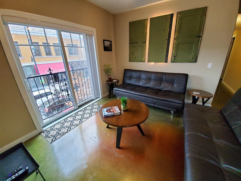 9th St. Beals Loft Downtown Columbia, holiday rental in Columbia