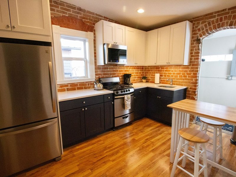 Cozy Historic Cottage in downtown, Close to Everything! Relax & Reconnect!, vacation rental in Salida
