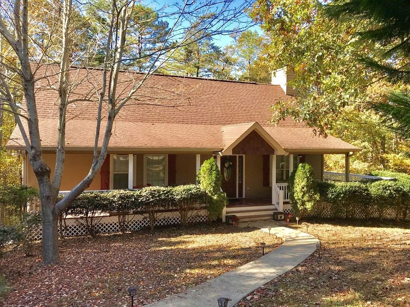 Welcome to Bear View Retreat!, vacation rental in Helen