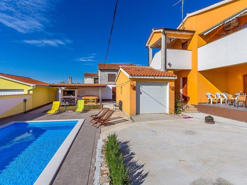 Gute Villa mit privatem Pool, Waschmaschine, Klima, WLAN, Terrasse und Grillplat, holiday rental in Galizana
