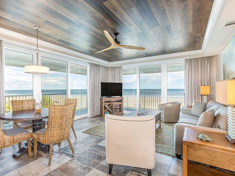 Premium Top Floor Corner Condo with Panoramic Oceanfront Views, On-site Restaur, location de vacances à Wilmington Island