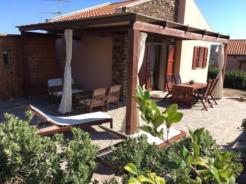 Maison avec vue sur la mer, en pleine nature. Lieu romantique et relaxant, Ferienwohnung in La Pedraia