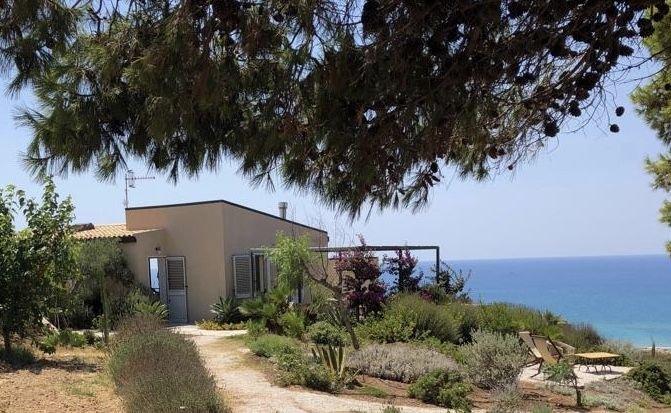 Casa Corte sul Golfo di Eraclea Minoa, vakantiewoning in Montallegro