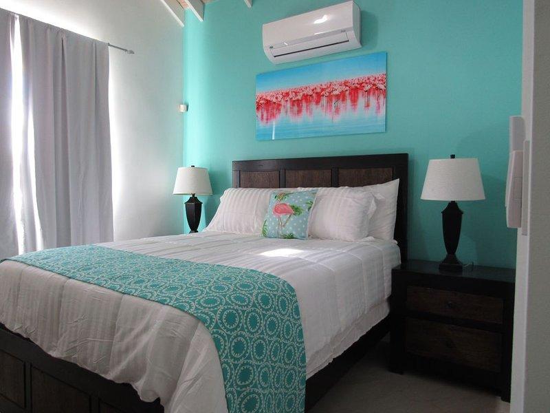 Hopewell Villa East, Beautiful villa 5 mins to Gracebay Beach., holiday rental in Grace Bay