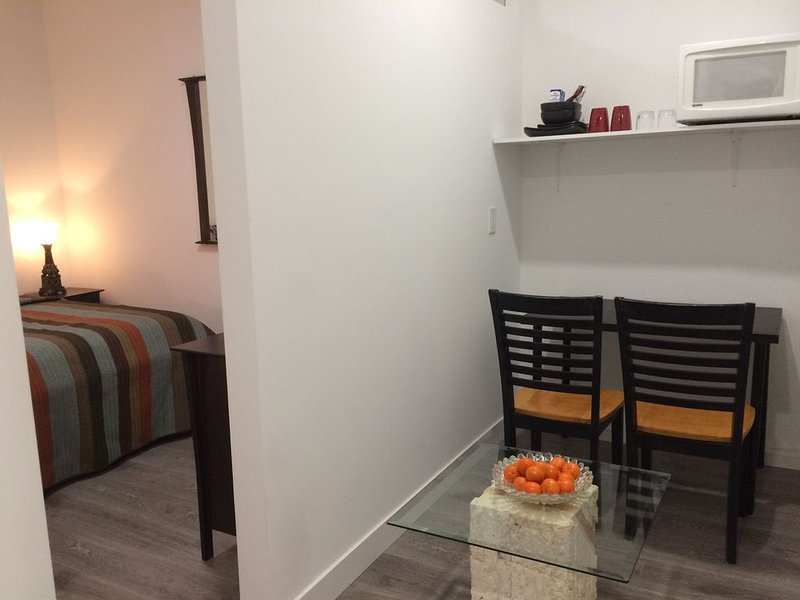 Brand new suite with gated parking in Langley, alquiler de vacaciones en Langley City