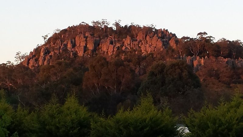 Hanging Rock, Wineries, Woodend, Country Getaway ,Bed and Breakfast., holiday rental in Macedon Ranges