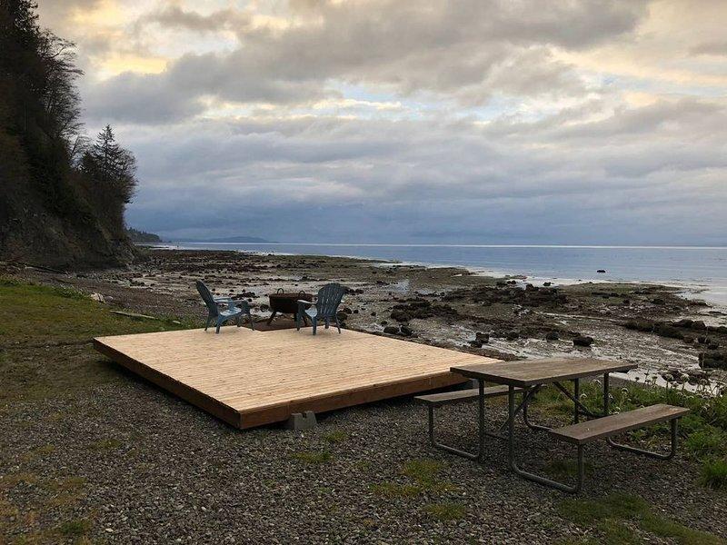 Tent Camping - Whiskey Creek Beach Front (T12), aluguéis de temporada em Joyce