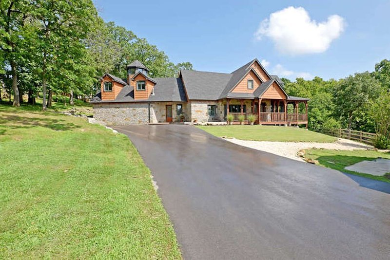 A serene family or group retreat!, holiday rental in Claremore