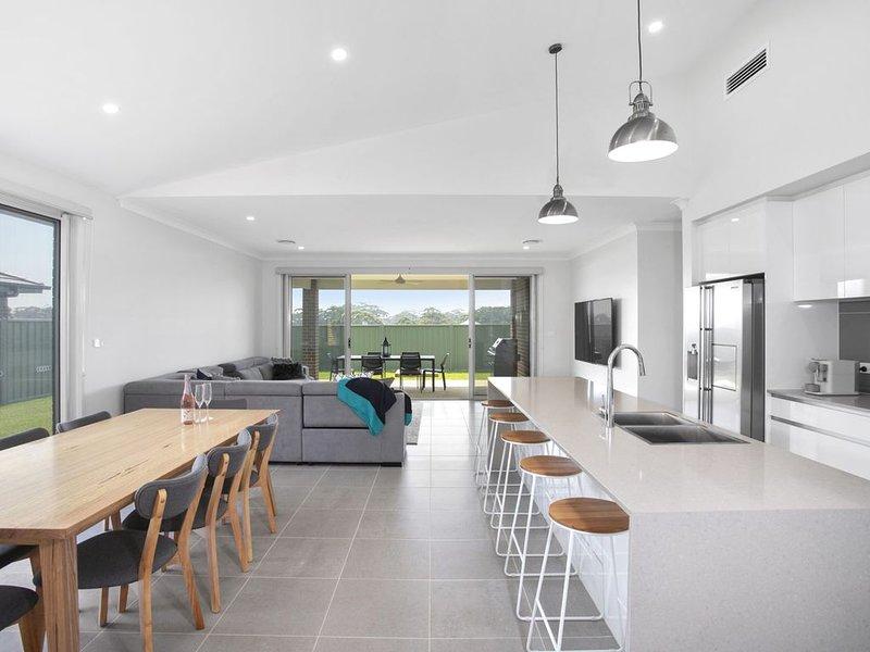 Narra House - Narrawallee, NSW, holiday rental in Narrawallee