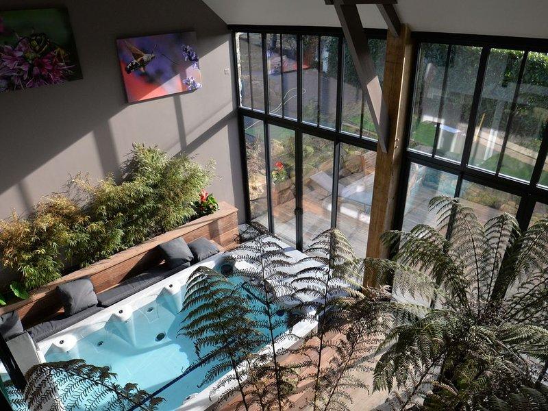Gite avec spa de nage et sauna  La Grange de Tissey. Baie du Mont Saint-Michel, casa vacanza a Mont-St-Michel