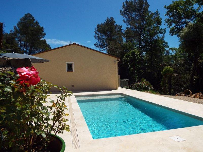 Villa climatisée, piscine privée neuve ,cour fermée,plein pied, alquiler vacacional en Le Tignet