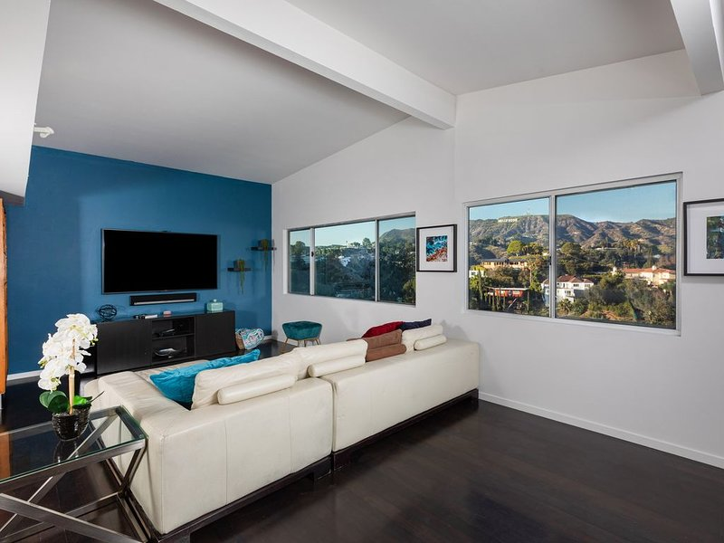 **PRIVATE, ISOLATED, CLEAN W/ VIEWS!**, OFFICE** – semesterbostad i Los Angeles