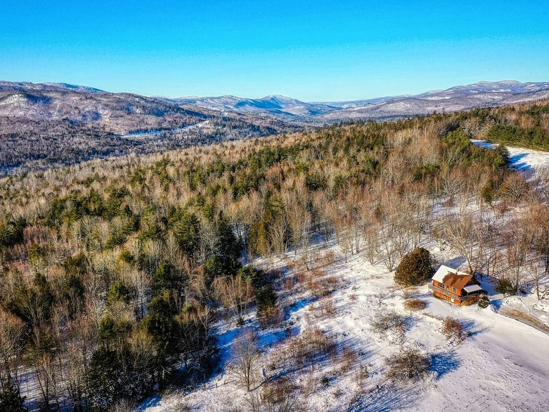 Premium Cleaned | Beautiful, secluded cabin w/ deck, grill, & incredible mountai, vacation rental in Rumford