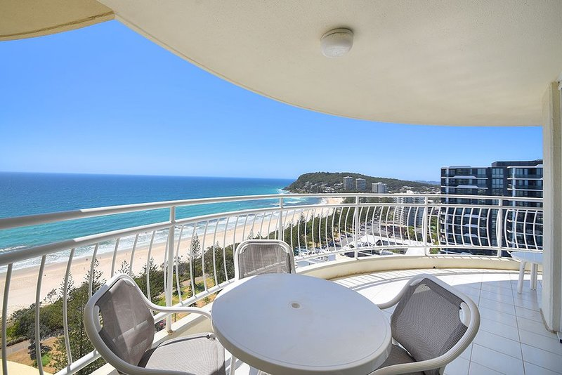 Ocean Dreaming * Burleigh - Spectacular 20th Floor Views!, location de vacances à Varsity Lakes