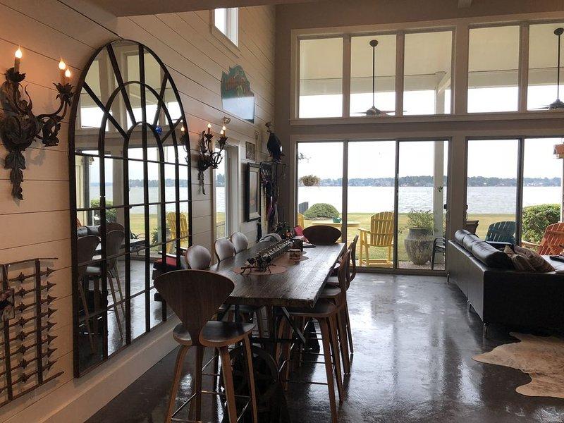 Mozi n Bunk's Waterfront Lakehouse, casa vacanza a Magnolia