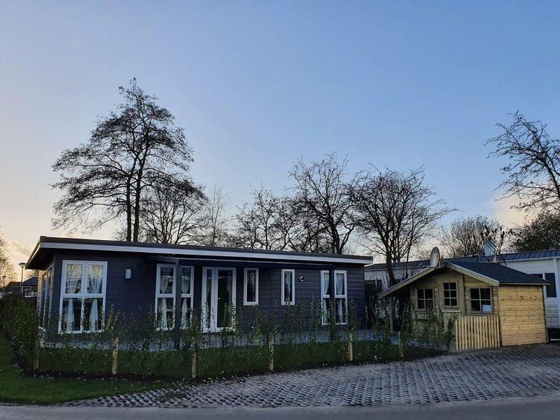 Chalet Seeliebe Urlaub mit der Familie und Hund, vacation rental in Doetinchem