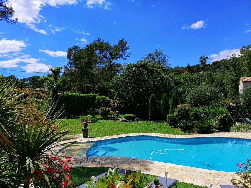 Entre Monaco et Cannes Villa 2 chambres 4  personnes et sa piscine privée, casa vacanza a Roquefort les Pins
