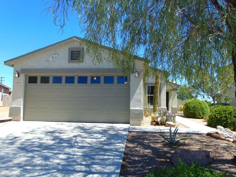 Welcome to the Retreat, a private home in Sahuarita, AZ, holiday rental in Sahuarita