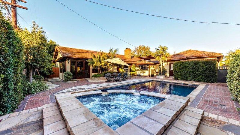 The Daisy Paradise Villa, holiday rental in Lakewood