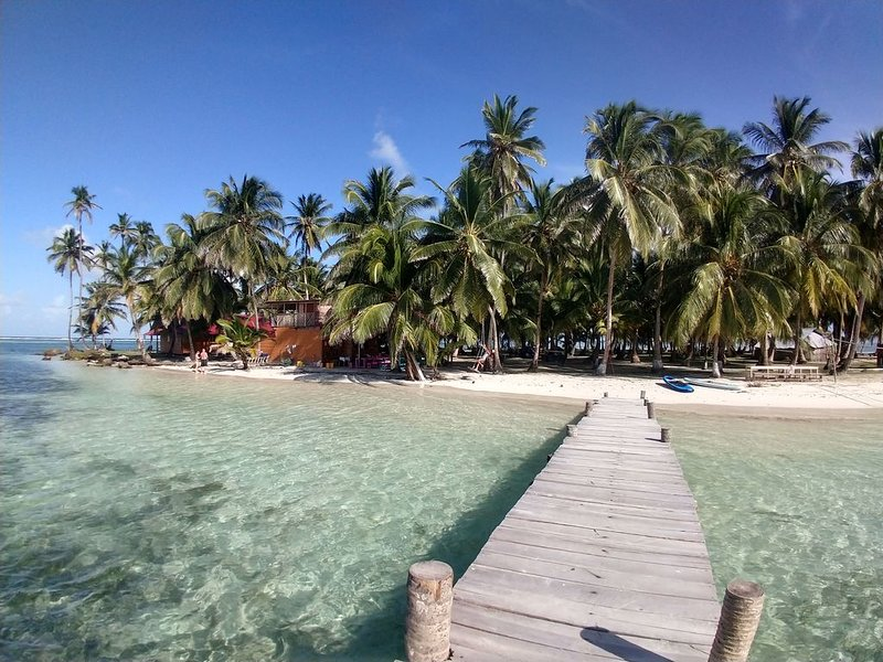 Private Room in San Blas Islands - Escape into Paradise!!!, holiday rental in Guna Yala Region