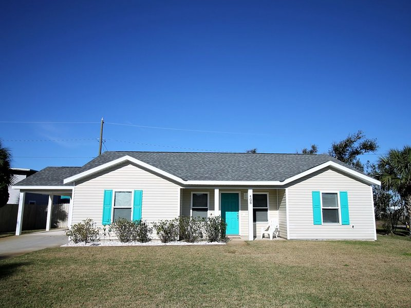 2 NGT SPECIAL AUG 3-5 $200/NGT! JUST 600 FT FROM BEACH! BEAUTIFULLY DECORATED!, vacation rental in Mexico Beach