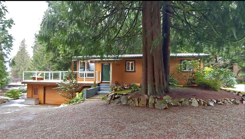 Family Fun By the Lake   Mission, BC, holiday rental in Abbotsford