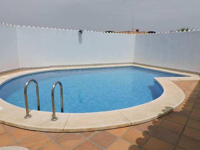 Amazing villa with swimming-pool, holiday rental in Roche